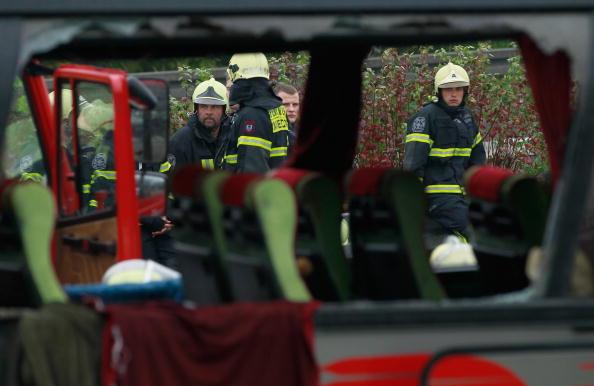 Support「Several Killed In Motorway Bus Crash Near Berlin」:写真・画像(2)[壁紙.com]