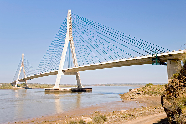 Support「Guadiana Bridge between Portugal and Spain」:写真・画像(11)[壁紙.com]