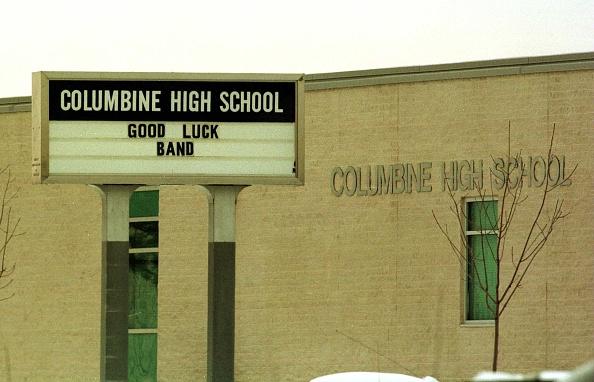 School Shooting「Littleton Colorado Columbine High School Photo:Andrew Shawaf/Online usa」:写真・画像(15)[壁紙.com]