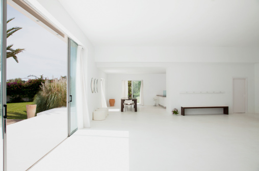 Villa「Open living space of modern house」:スマホ壁紙(9)