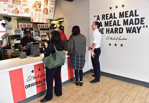 Chicken Meat「KFC Menu Items and Restaurant」:写真・画像(17)[壁紙.com]