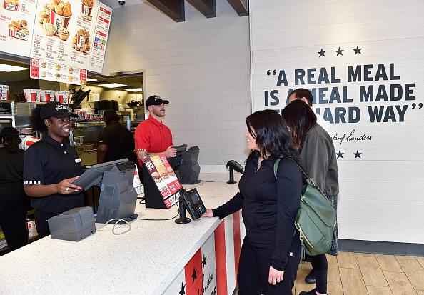 Chicken Meat「KFC Menu Items and Restaurant」:写真・画像(4)[壁紙.com]