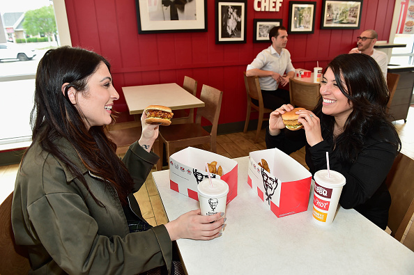 Chicken Meat「KFC Menu Items and Restaurant」:写真・画像(7)[壁紙.com]