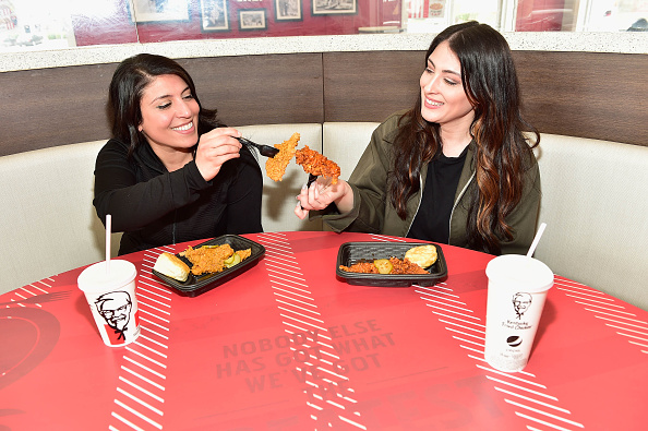 Chicken Meat「KFC Menu Items and Restaurant」:写真・画像(12)[壁紙.com]