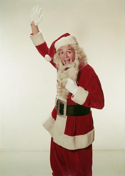 概念とトピック「Desi Arnaz Pulls On Beard Of Santa Claus Costume」:写真・画像(18)[壁紙.com]