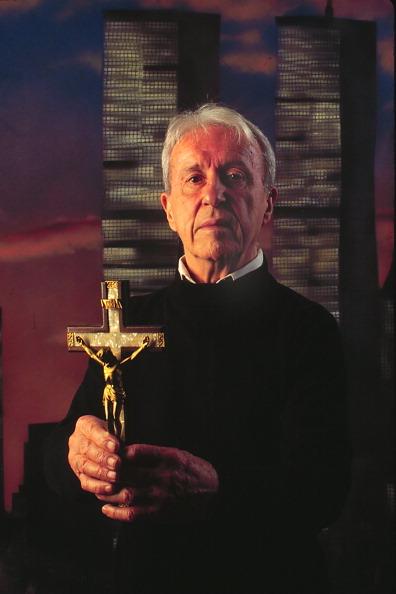 Priest「Malachi Martin」:写真・画像(16)[壁紙.com]