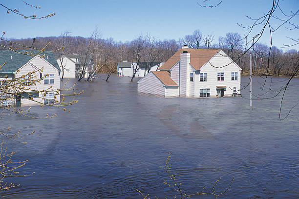 Houses in floodwaters:スマホ壁紙(壁紙.com)