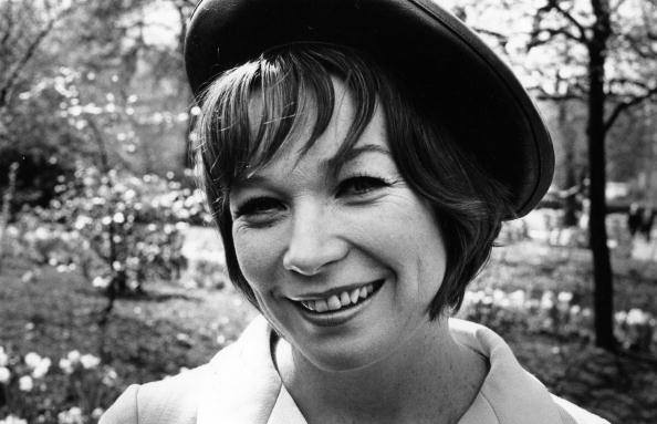 William Lovelace「Shirley MacLaine」:写真・画像(4)[壁紙.com]