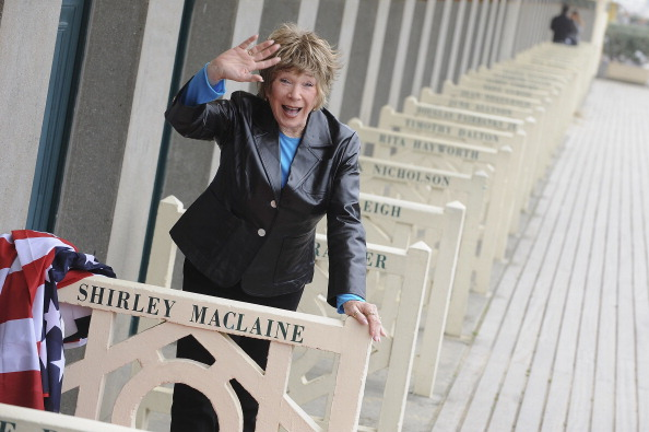 Leather Jacket「Tribute To Shirley MacLaine - 37th Deauville Film Festival」:写真・画像(14)[壁紙.com]