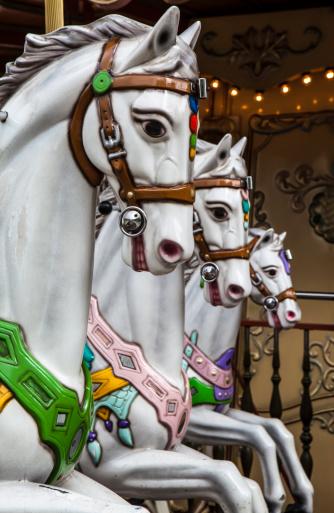 Carousel Horses「Three carousel horses」:スマホ壁紙(13)