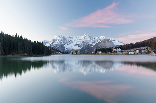 Trentino-Alto Adige「Lago di Misurina in the Dolomites, Italy.」:スマホ壁紙(16)