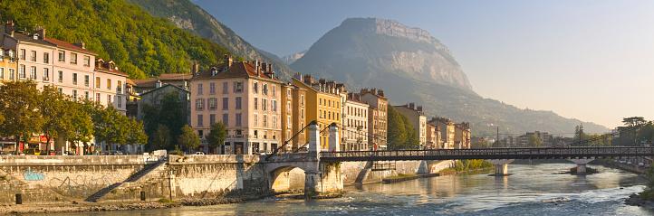 Footbridge「View of Grenoble」:スマホ壁紙(12)