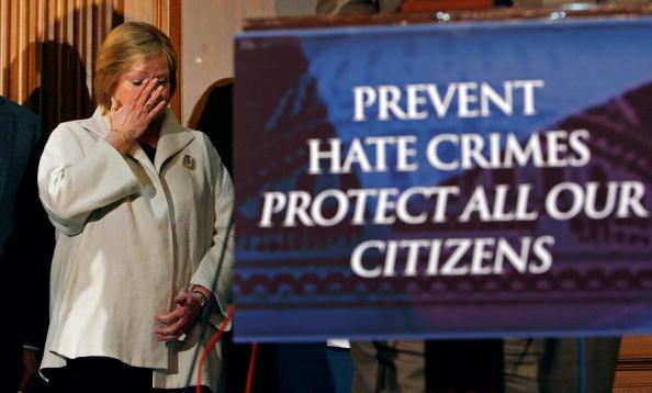 Hate Crime「Sens. Gordon Smith And Ted Kennedy Reintroduce Hate Crimes Legislation」:写真・画像(9)[壁紙.com]