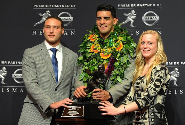 Marcus Mariota「Wendy's High School Heisman Award Winners recognized at the 2014 Heisman Memorial Trophy Presentation」:写真・画像(8)[壁紙.com]