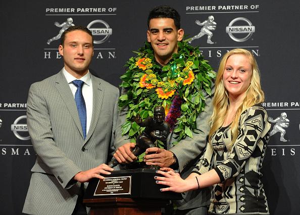Marcus Mariota「Wendy's High School Heisman Award Winners recognized at the 2014 Heisman Memorial Trophy Presentation」:写真・画像(3)[壁紙.com]