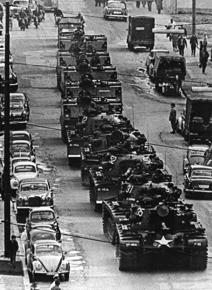 Variation「Tanks On Friedrichstrasse」:写真・画像(18)[壁紙.com]