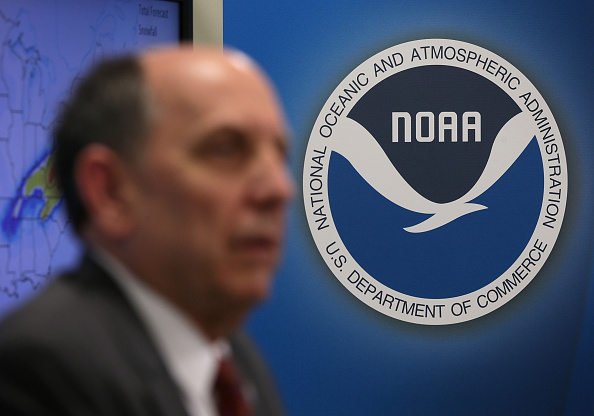 2016 Winter Storm Jonas「NOAA Holds News Conference On Impending Winter Storm On East Coast」:写真・画像(15)[壁紙.com]