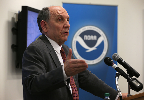 2016 Winter Storm Jonas「NOAA Holds News Conference On Impending Winter Storm On East Coast」:写真・画像(2)[壁紙.com]