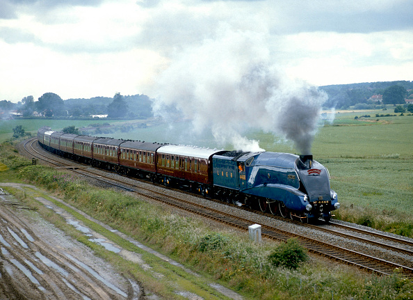 York - Yorkshire「Mallard '88. No.4468 'Mallard' leaves Malton en route from York to Scarborough. 9.7.88」:写真・画像(11)[壁紙.com]