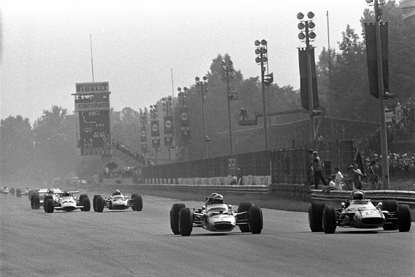 F1グランプリ「Jochen Rindt, Jackie Stewart, Grand Prix Of Italy」:写真・画像(2)[壁紙.com]