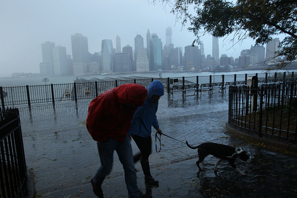 Torrential Rain「Hurricane Sandy Bears Down On U.S. Mid-Atlantic Coastline」:写真・画像(12)[壁紙.com]