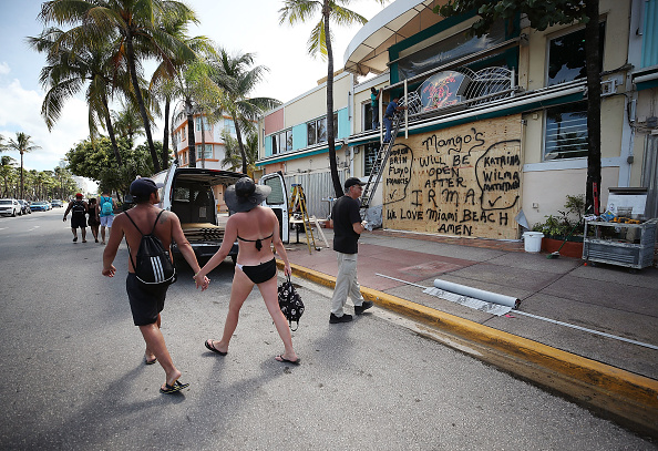 Miami Beach「Florida Begins Preparing For Hurricane Irma」:写真・画像(6)[壁紙.com]