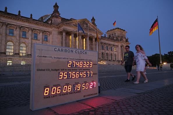 Concepts「Fridays For Future Hold Carbon Clock Vigil」:写真・画像(10)[壁紙.com]