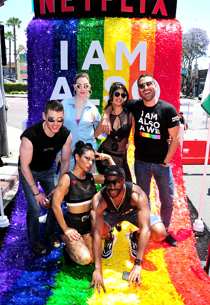 "J R Smith「Netflix Original Series ""Sense8"" Cast At Los Angeles Pride Parade」:写真・画像(6)[壁紙.com]"