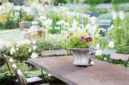 花「Flowerpot 庭園のテーブル」:スマホ壁紙(13)