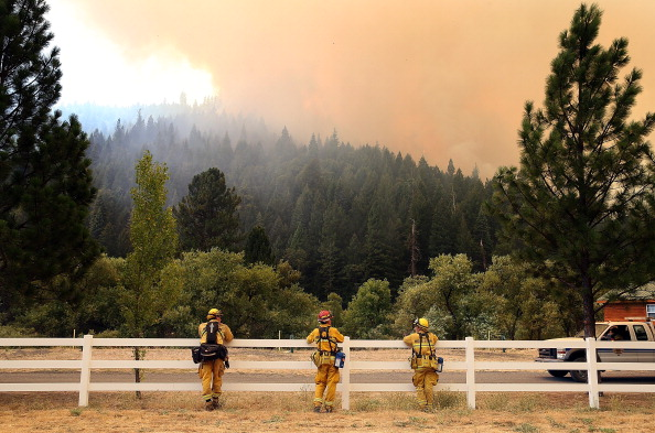 Approaching「Rim Fire Burns Near Yosemite National Park」:写真・画像(6)[壁紙.com]