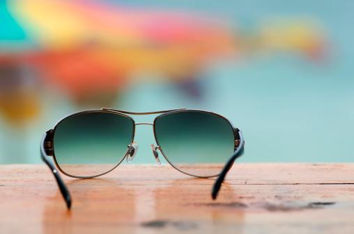 Sunshade「Sun glasses at the beach」:スマホ壁紙(12)