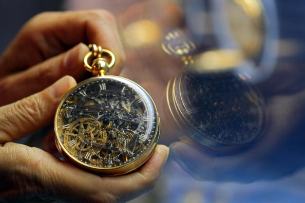 Watch - Timepiece「Priceless Stolen Timepieces Recovered In Israel」:写真・画像(6)[壁紙.com]