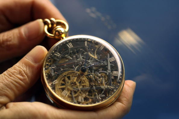 Recovery「Priceless Stolen Timepieces Recovered In Israel」:写真・画像(16)[壁紙.com]
