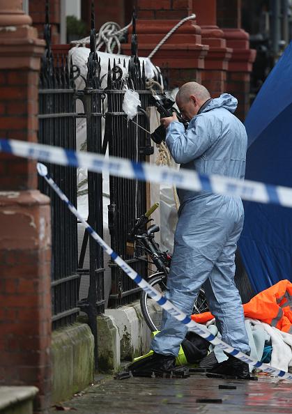 Sofa「Two People Dead In Balcony Collapse In Chelsea」:写真・画像(7)[壁紙.com]