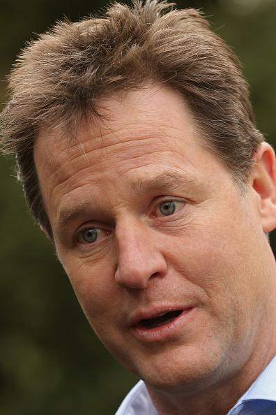 ハリネズミ「Nick Clegg Visiting The Parkridge Wildlife Centre On The Campaign Trail」:写真・画像(18)[壁紙.com]