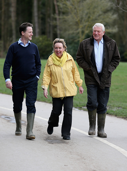 ハリネズミ「Nick Clegg Visiting The Parkridge Wildlife Centre On The Campaign Trail」:写真・画像(16)[壁紙.com]