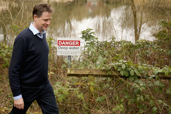 ハリネズミ「Nick Clegg Visiting The Parkridge Wildlife Centre On The Campaign Trail」:写真・画像(14)[壁紙.com]