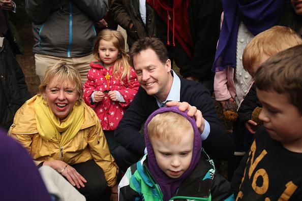 ハリネズミ「Nick Clegg Visiting The Parkridge Wildlife Centre On The Campaign Trail」:写真・画像(19)[壁紙.com]