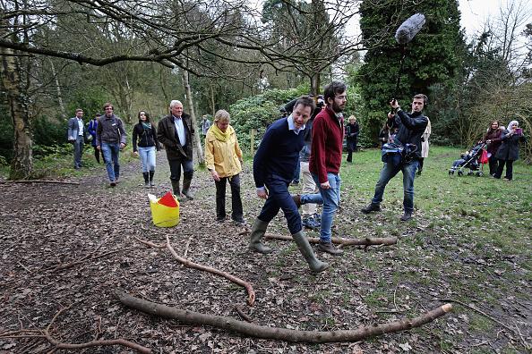 ハリネズミ「Nick Clegg Visiting The Parkridge Wildlife Centre On The Campaign Trail」:写真・画像(16)[壁紙.com]