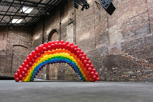 Art「Empty warehouse with rainbow made of balloons」:スマホ壁紙(10)