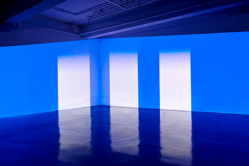 Atmospheric Mood「Empty warehouse space with projection mapping」:スマホ壁紙(2)