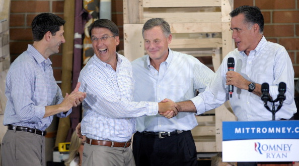 Florida - US State「Presidential Candidate Mitt Romney Campaigns With His Vice Presidential Pick Rep. Paul Ryan」:写真・画像(8)[壁紙.com]