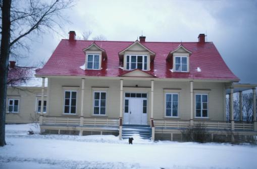 雪「Front view of country house in winter」:スマホ壁紙(14)