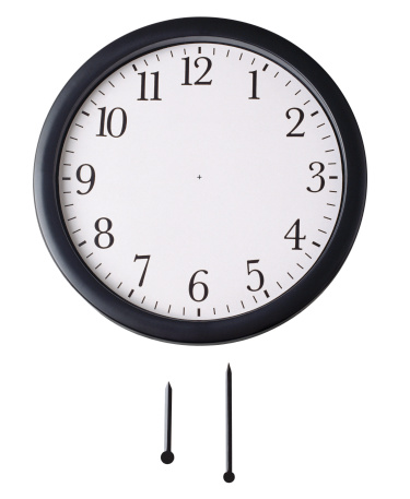 Clock「Front view of wall clock with hour hand and minute hand underneath」:スマホ壁紙(9)