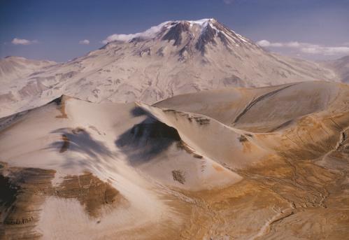 Katmai National Park「USA, Alaska, Katmai national Park, Mt. Katmai, aerial view」:スマホ壁紙(8)