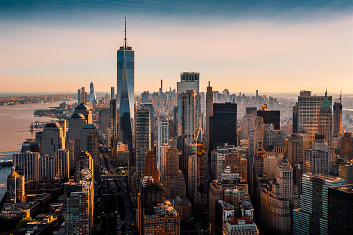 Urban Skyline「The majesty of Manhattan island taken from a helicopter above the downtown area at a golden hour」:スマホ壁紙(8)