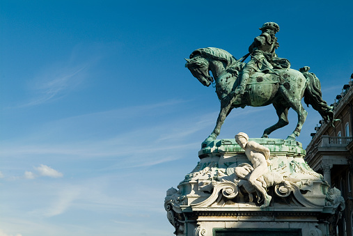 Horse「Statue of Prince Eugene Outside Royal Palace in Budapest」:スマホ壁紙(1)