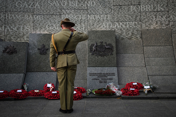 Army Soldier「A Dawn Service Commemorating ANZAC Day Takes Place At London's Australian War Memorial」:写真・画像(13)[壁紙.com]
