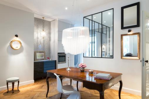 美術「芸術的な、スタイリッシュなアパートメントのインテリア、リビングルームとキッチン」:スマホ壁紙(15)
