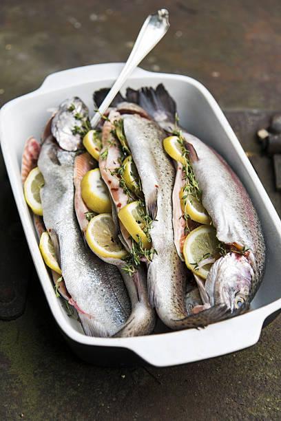 Fishes Ready to BBQ:スマホ壁紙(壁紙.com)